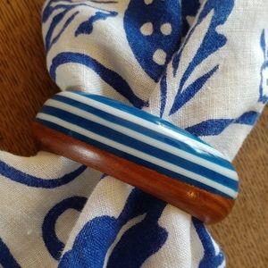 Lucite & wood vintage bracelet